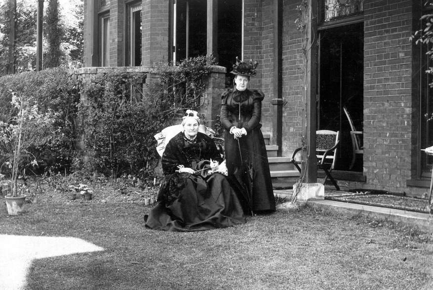 Dowager Marchioness of Hertford with her daughter Lady Florence Blunt